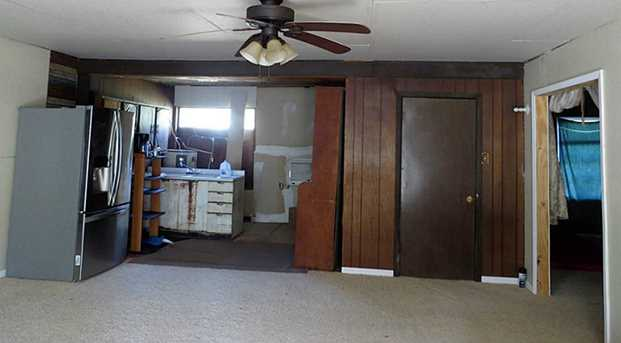22061 Russell - Photo 6