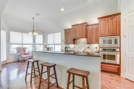 8606 Two Sisters Ct - Photo 9