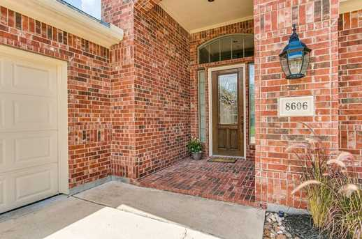 8606 Two Sisters Ct - Photo 3