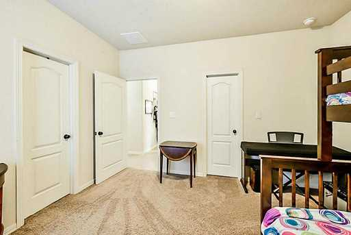 8611 Valiant Knolls - Photo 21