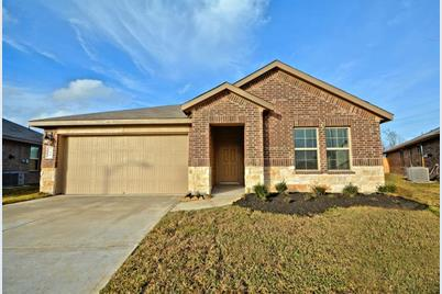 3919 Country Club Drive - Photo 1