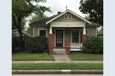 1027 W Melwood Street - Photo 1