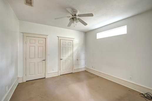 3122 White Oak #E - Photo 5