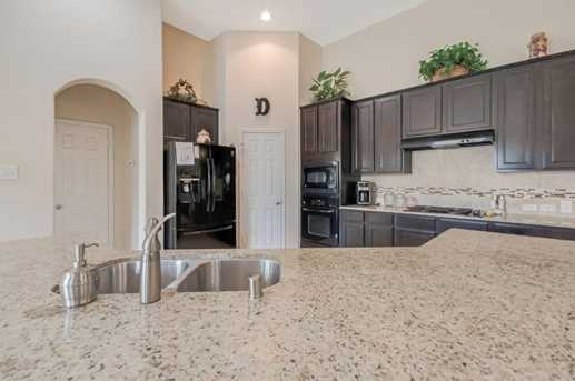 1745 Coral Cliff - Photo 19