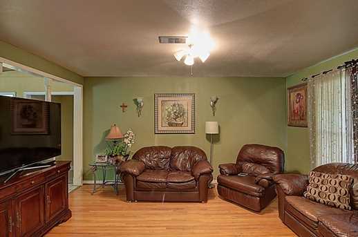 3807 Galway Ln - Photo 3