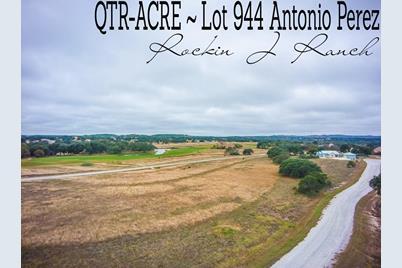 Lot 944 Antonio Perez - Photo 1