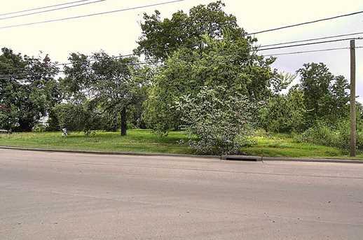 322 Sheldon Road - Photo 3