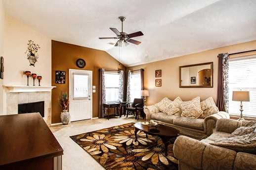 1318 Colonial Manor Drive - Photo 9
