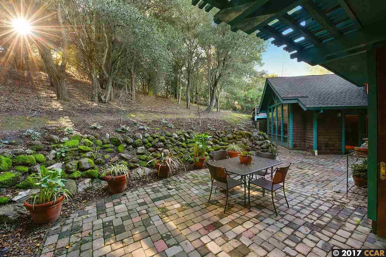 Additional photo for property listing at 18 Las Piedras  ORINDA, CALIFORNIA 94563