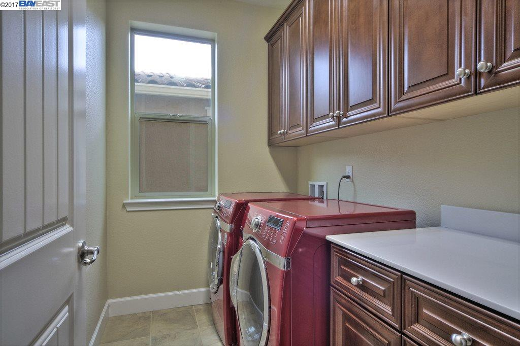 Additional photo for property listing at 4521 Lee Thompson  DUBLIN, CALIFORNIA 94568