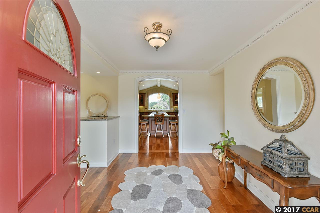 Additional photo for property listing at 42 Lambeth Sq  MORAGA, CALIFORNIA 94556