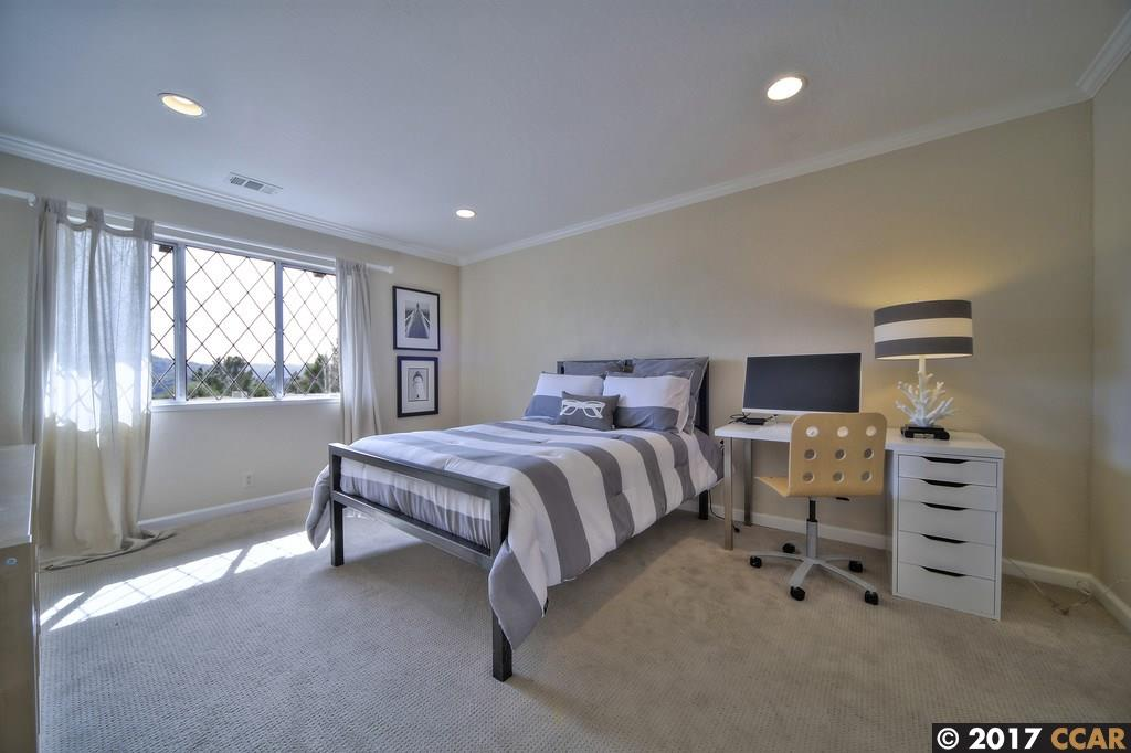 Additional photo for property listing at 1103 Country Club Dr  MORAGA, CALIFORNIA 94556