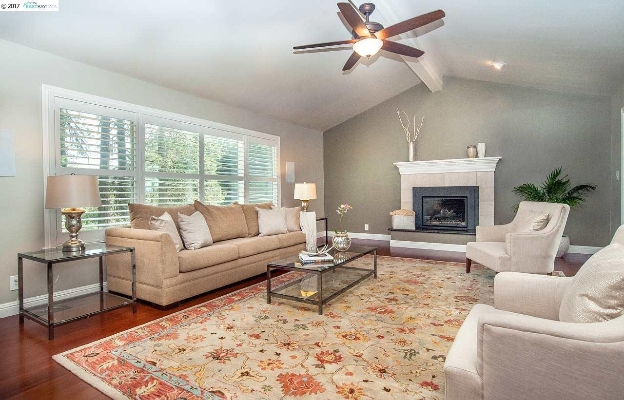 Additional photo for property listing at 8495 Pine Hills Drive  OAKLAND, CALIFORNIA 94611