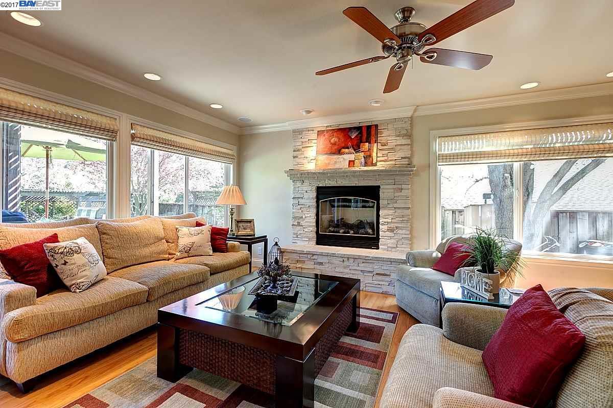 Additional photo for property listing at 8139 Via Zapata  DUBLIN, CALIFORNIA 94568
