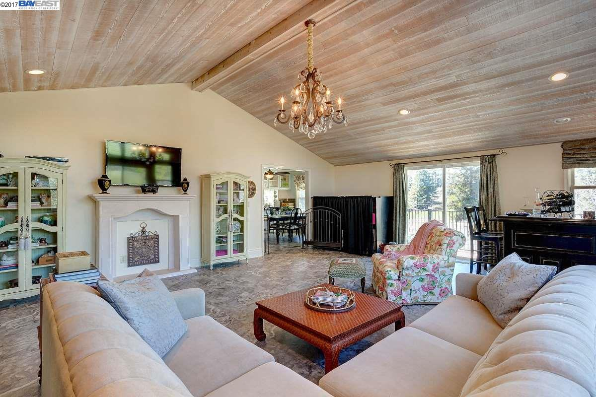 Additional photo for property listing at 5353 Old School Rd.  DANVILLE, CALIFORNIA 94588