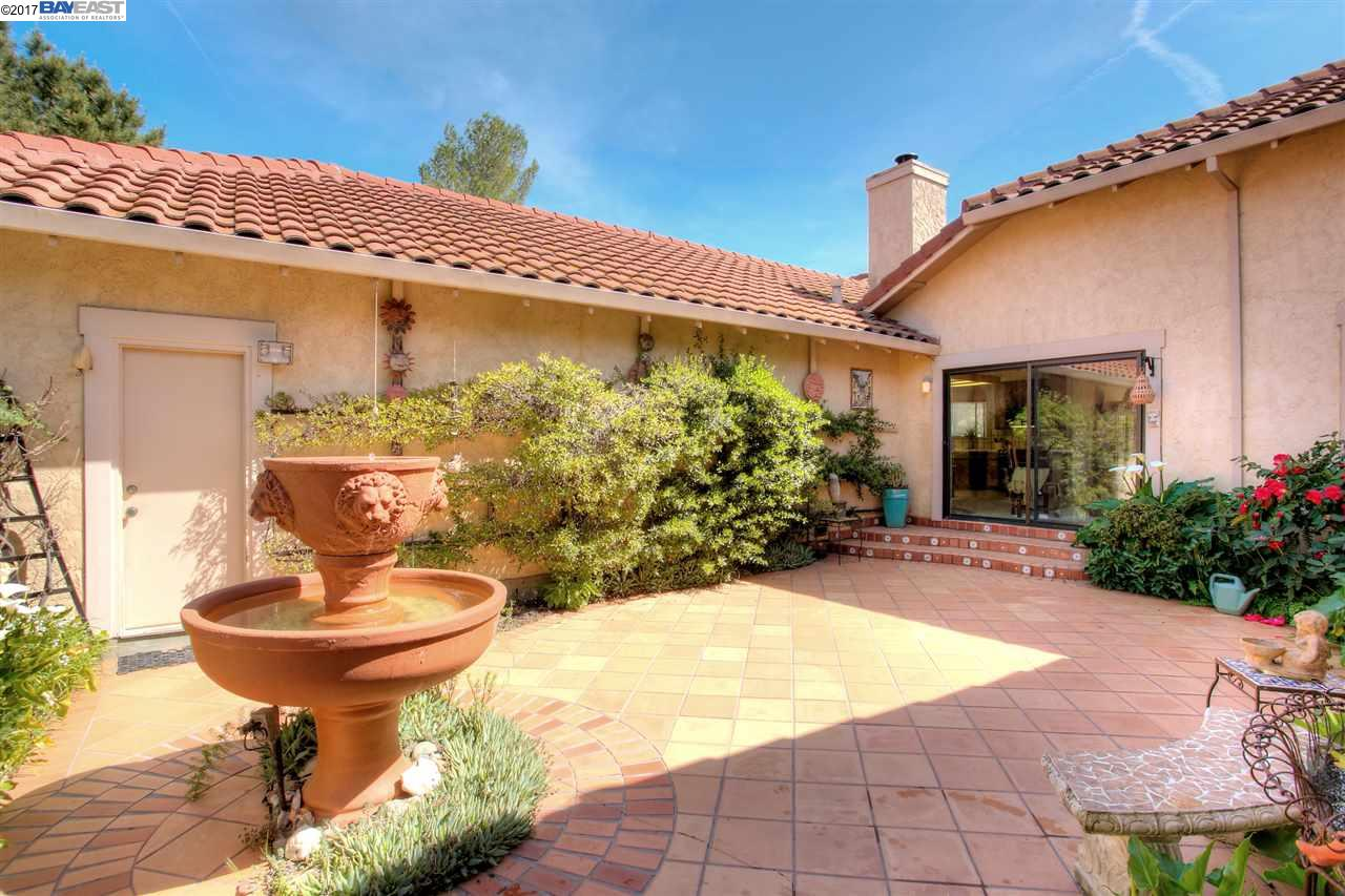 Additional photo for property listing at 2256 Saint Margarets Ct.  LIVERMORE, CALIFORNIA 94550