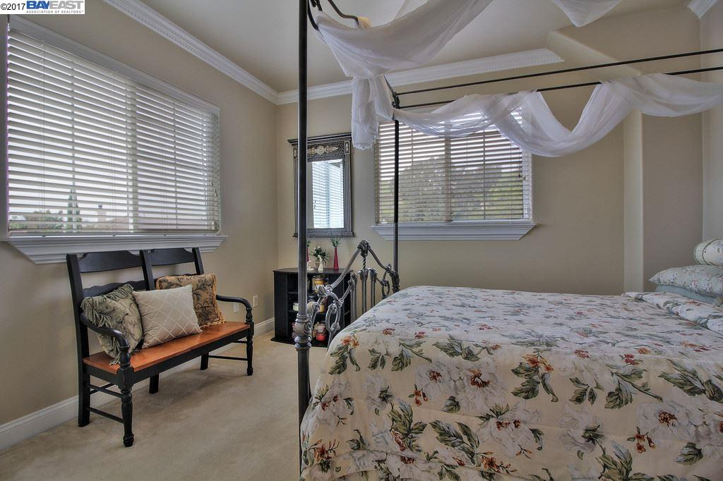 Additional photo for property listing at 911 Silver Birch Ln  HAYWARD, CALIFORNIA 94544
