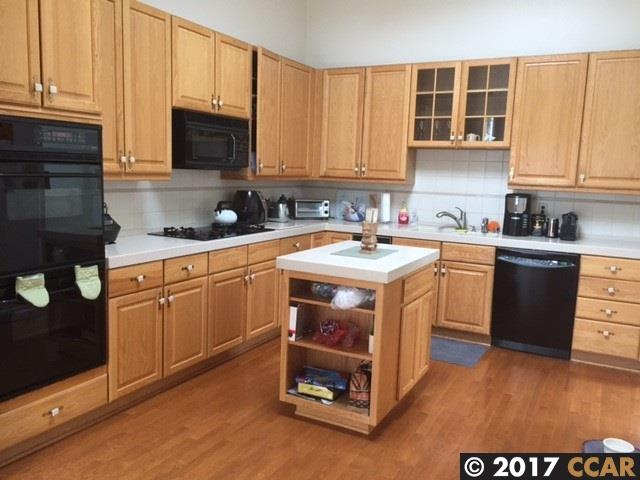 Additional photo for property listing at 12 Clipper Hl  OAKLAND, CALIFORNIA 94618