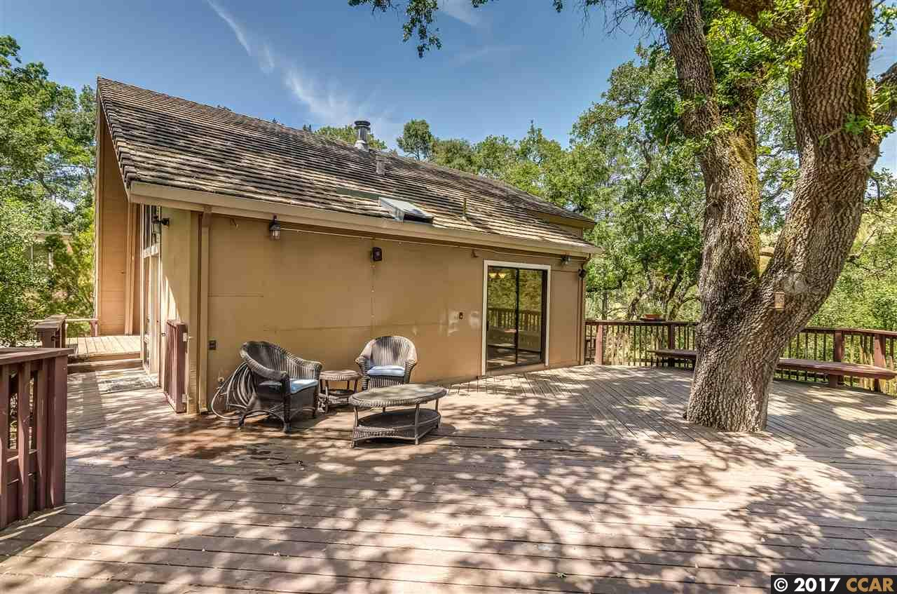 Additional photo for property listing at 1 Cattle Chute Rd  LAFAYETTE, CALIFORNIA 94549