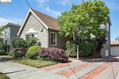 2940 Piedmont Ave - Photo 1