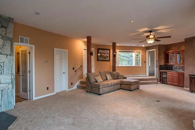 Additional photo for property listing at 12168 Stallion Way  TRUCKEE, CALIFORNIA 96161