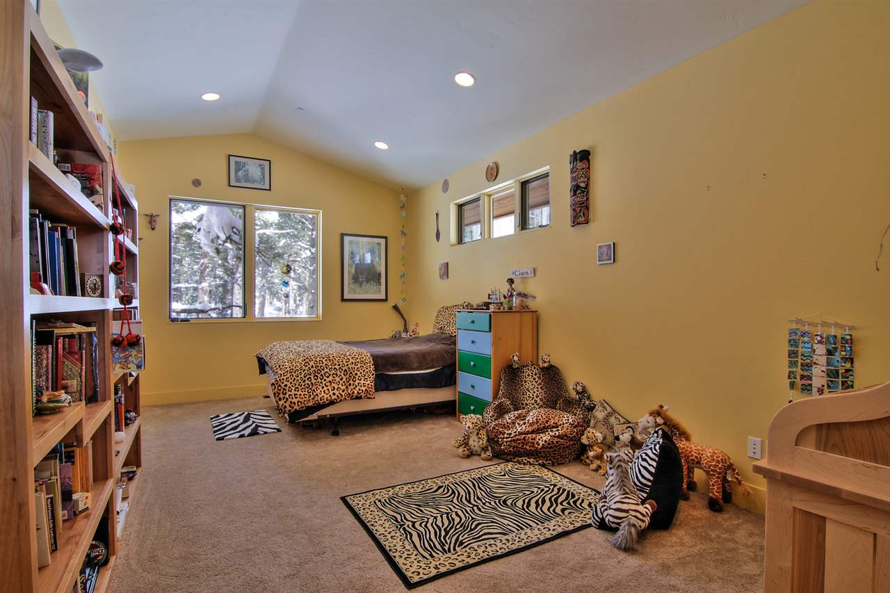 Additional photo for property listing at 11260 Ghirard Road  TRUCKEE, CALIFORNIA 96161