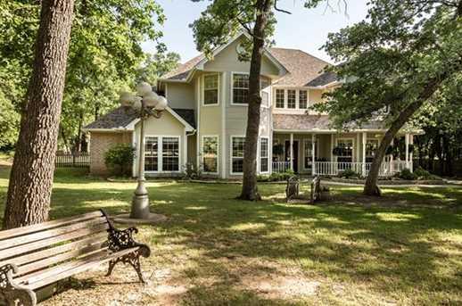 529  Oak Hills Drive - Photo 1