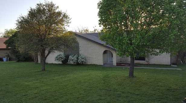 140  Creekview Drive E - Photo 1