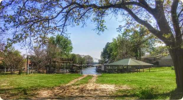206  Lake Front Drive - Photo 1