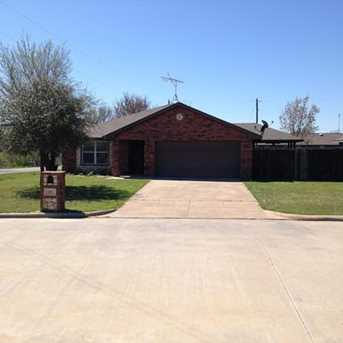 101  Chisolm Trail Court - Photo 1