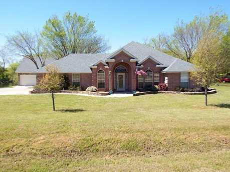 212  Bluebonnet Drive - Photo 1