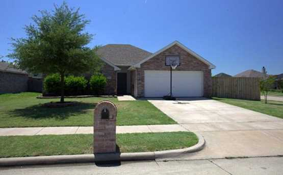 241  Chesterfield Circle - Photo 1