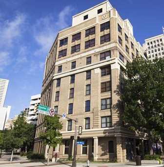 910  Houston Street  #301 - Photo 1
