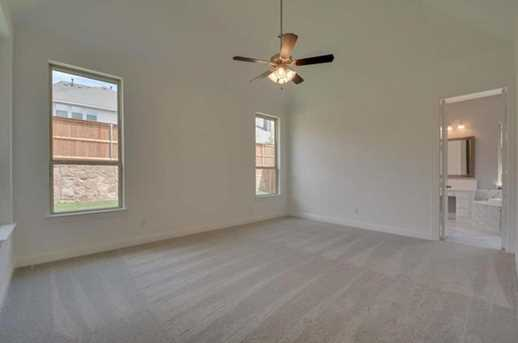 1049 west bluff roanoke tx 76262 mls 13622716 for Hardwood flooring 76262
