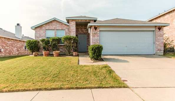 3504  Clydesdale Drive - Photo 1