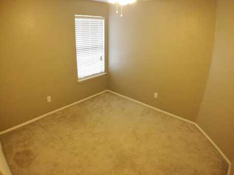 8633  Fountainview Terrace - Photo 15