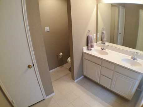 8633  Fountainview Terrace - Photo 21