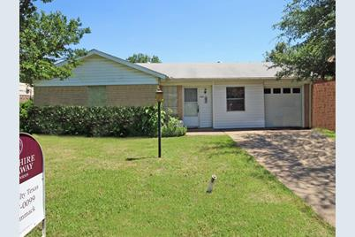 Terrific 1701 Armstead Ave Grand Prairie Tx 75051 Mls 14097314 Complete Home Design Collection Papxelindsey Bellcom