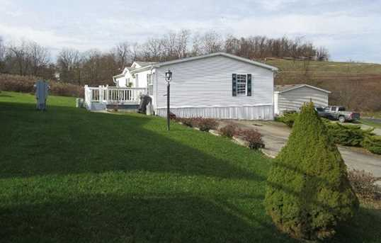 4 Colonial Drive - Photo 3