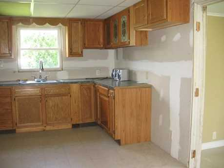 2221 Stoystown Rd - Photo 9