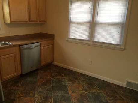 931 Temple Ave - Photo 5
