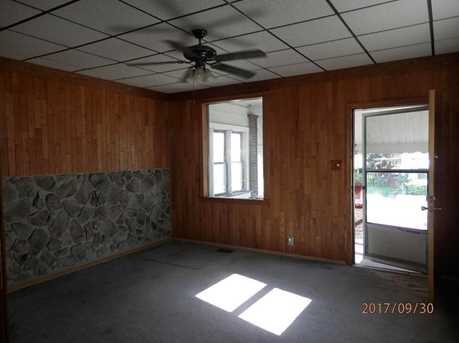 737 6th Ave - Photo 9