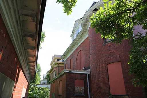 150 Stratford Ave - Photo 7