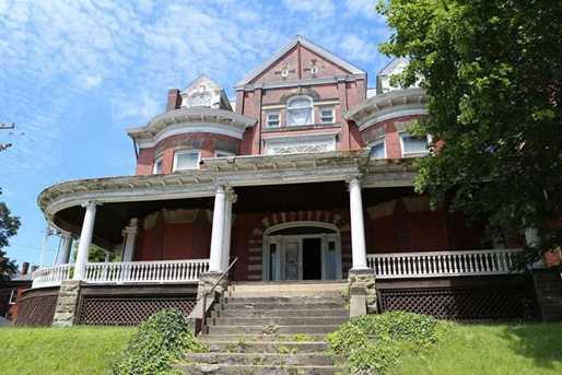 150 Stratford Ave - Photo 1