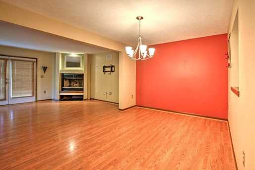 601 Forest Edge Ct - Photo 5