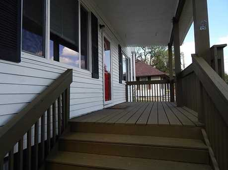 221 Oxford Ave - Photo 21