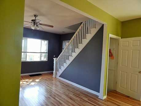 221 Oxford Ave - Photo 5