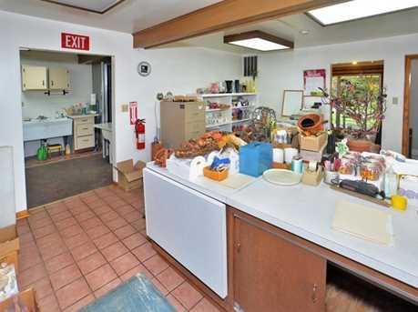 670 Robbins Station - Photo 8