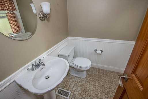 2124 Middle Rd - Photo 9
