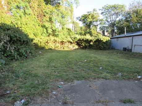 2437 Wylie Ave - Photo 9